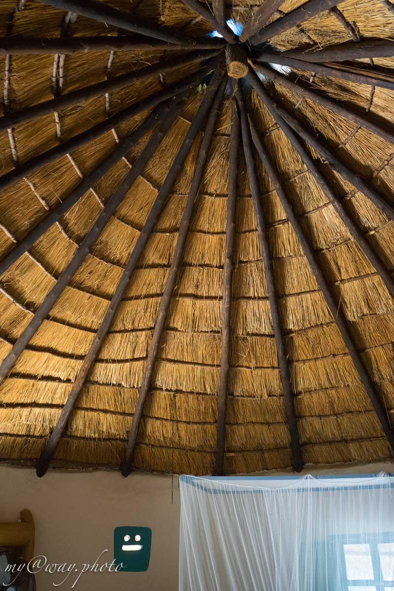 так выглядит соломенная крыша хижин бакаланга