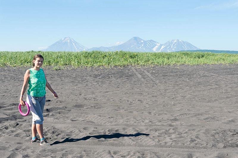 халактырский пляж сыпучие крупинки вулканического песка