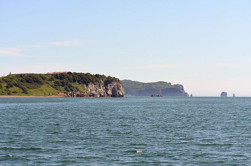 скалы три брата преграда океану на пути в авачинскую бухту