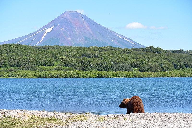 курильское озеро действующий вулкан тихоокеанского огненного кольца