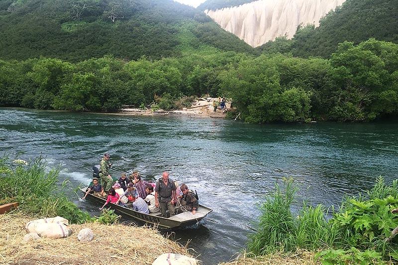кутхины баты долина возле курильского озера