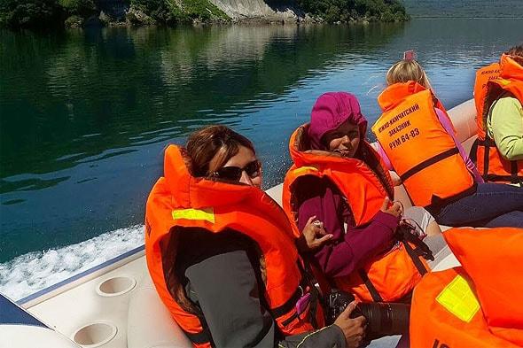 на катере по курильскому озеру южно камчатский заказник