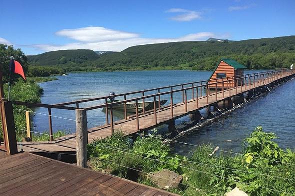 курильское озеро мостик плотина рыбоучетной станции