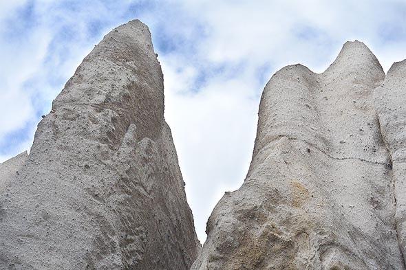 после остывания лавовой пены образуется вулканическая порода пемза