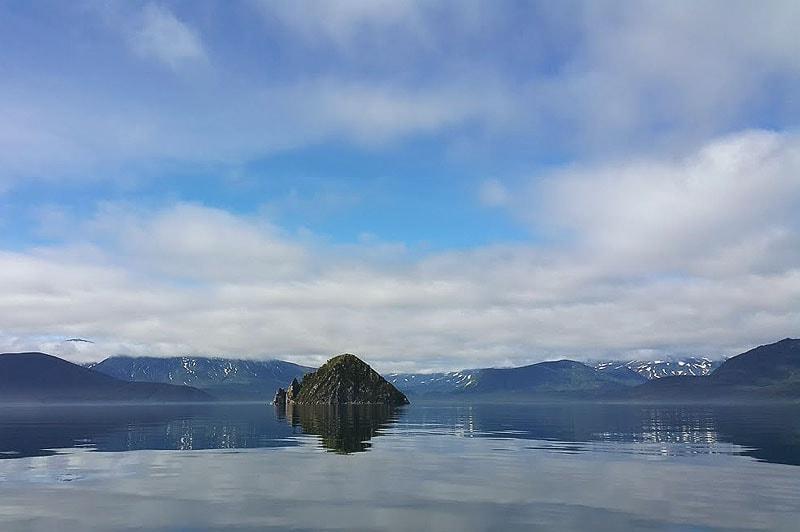 в синей чаше курильского озера лежит сердце алаида
