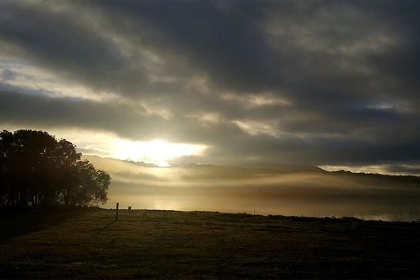 курильское озеро в закатное время