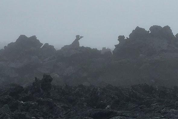 экзотический усеянный камнями ландшафт толбачинский дол