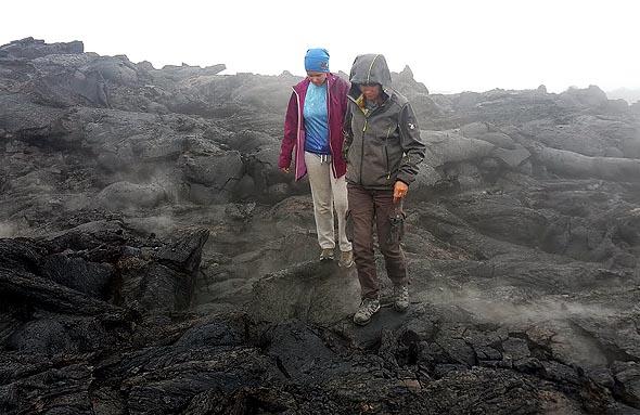 идем по застывшей лаве извержения толбачика 2012 года