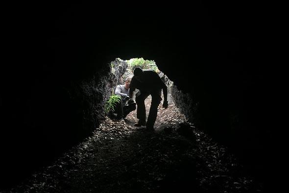 в толбачинских пещерах