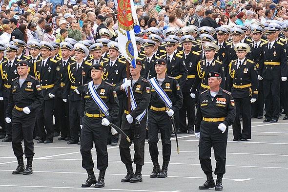 величественная торжественность на параде вмф