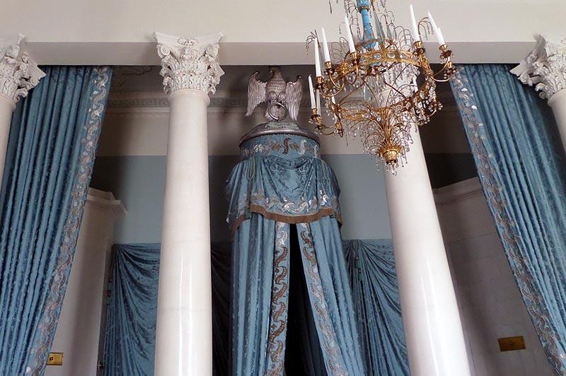 в парадной спальне герцогини курляндской усадьба араргельское