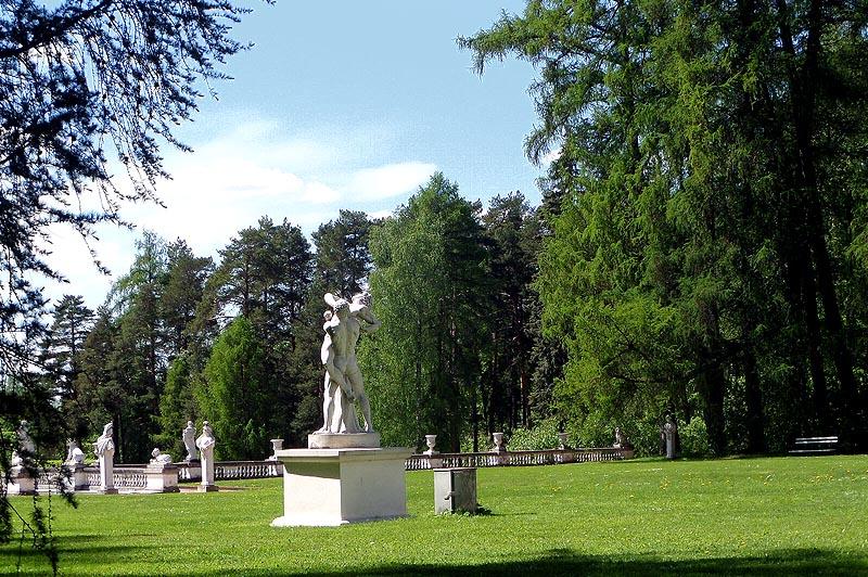 полная иллюзия италии статуи белого мрамора