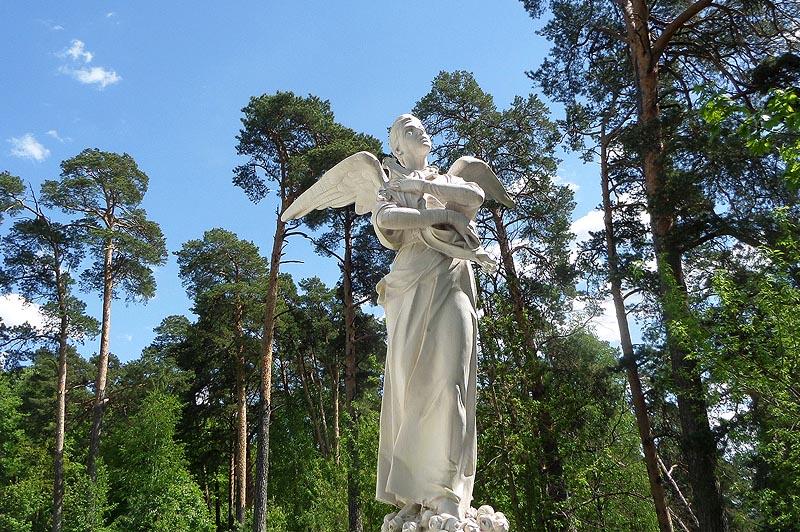 памятник белого мрамора княжне татьяне николаевне юсуповой работы скульптора антокольского