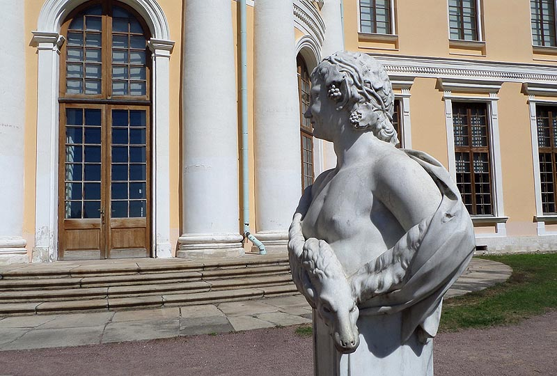 парковая скульптура в усадьбе юсуповых архангельское