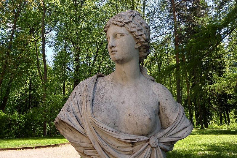 усадьба архангельское украшение парка скульптуры в грязи