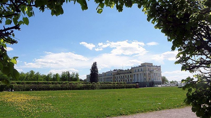 здание военного санатория архангельское