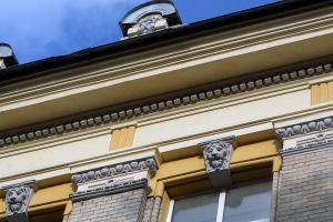 морды львов на здании саратовского университета