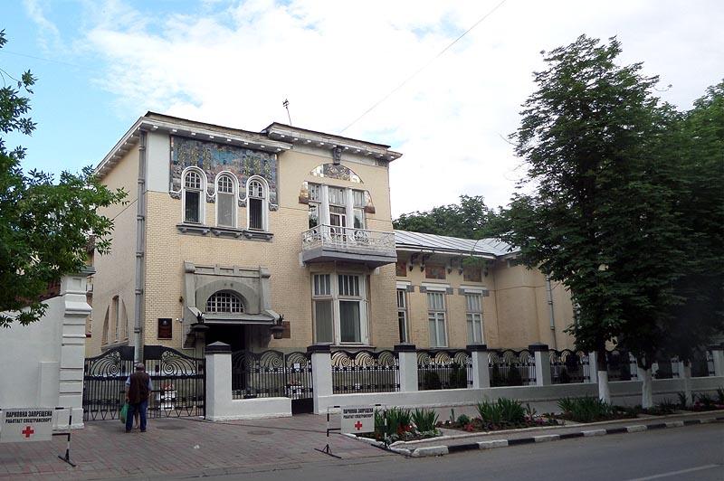 константин кондратьевич рейнеке за пять лет до революции построил добротный особняк