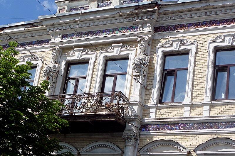 саратов фасад дома бестужевой богатый декор