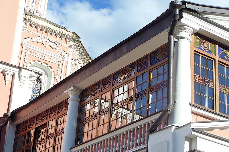 пышный декор свято троицкого собора саратов