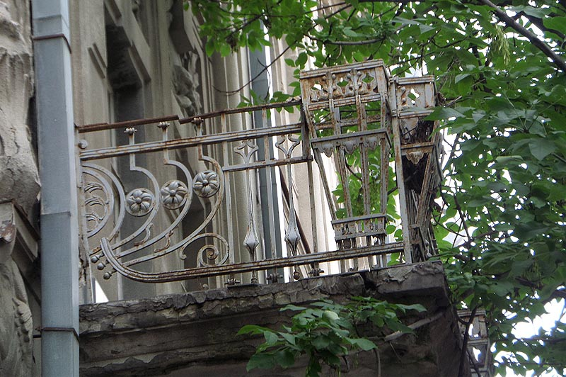 балкон дома ананьина