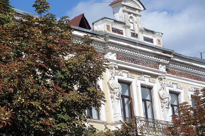 дом с кариатидами саратов