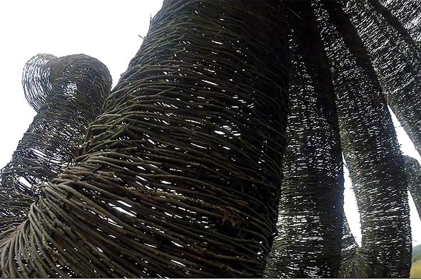 арт-объект бобур из березовой лозы
