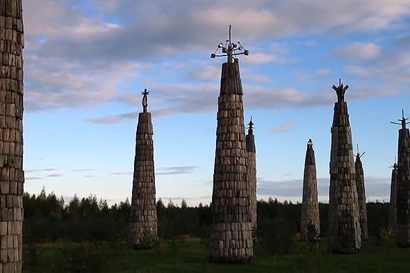 башенки напоминающее космические ракеты