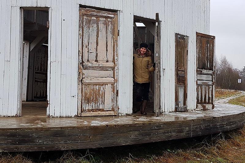 куда ведут разнокалиберные двери