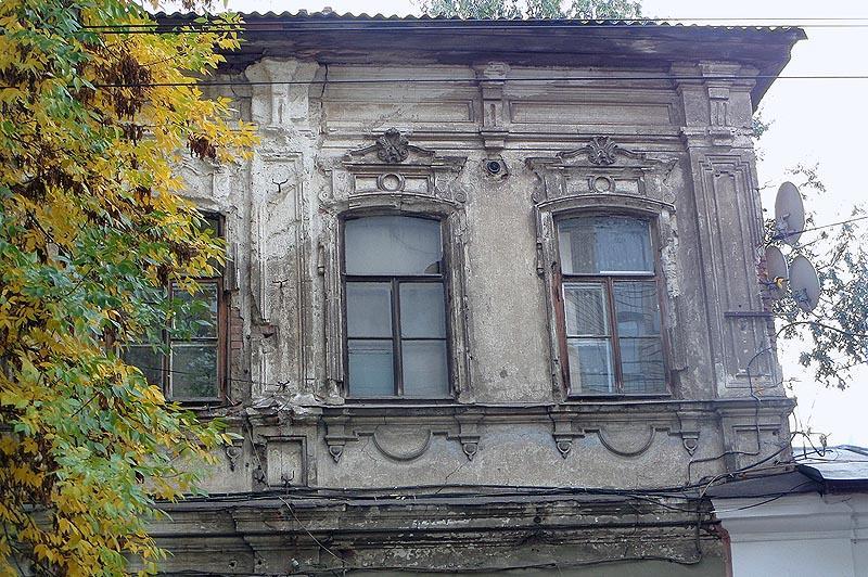 обветшавшая старинная постройка
