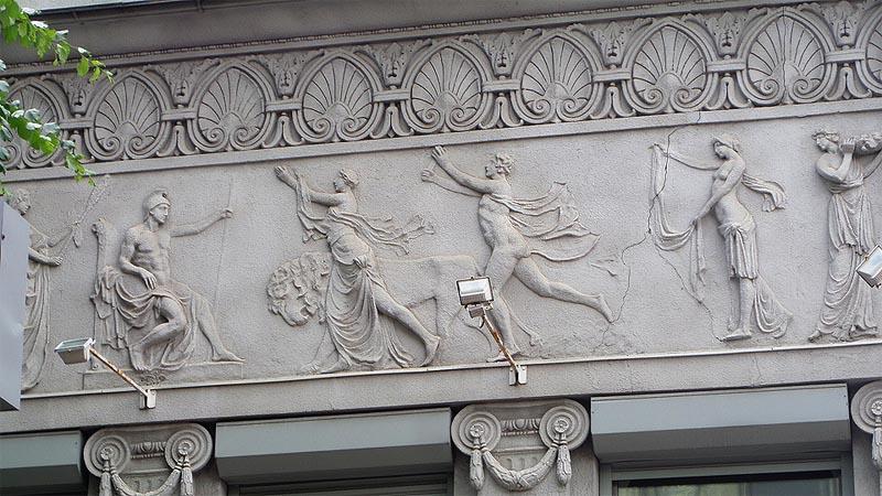 рельефные украшения на фасаде особняк шмидта саратов