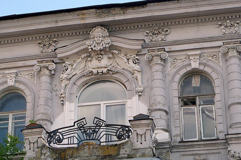 витиеватая лепнина дом левковича саратов