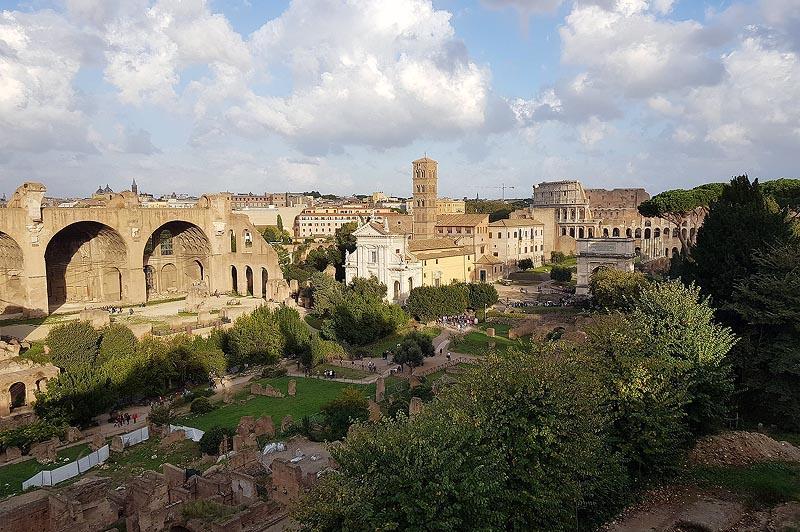 масштабные руины базилики максенция константина