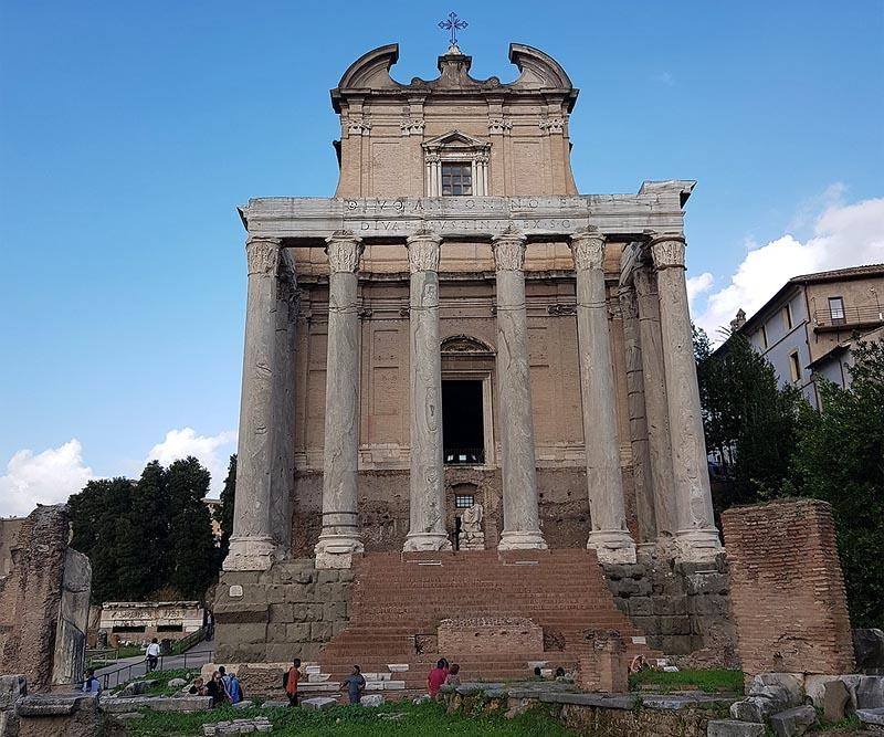 прекрасный храм антонина и фаустины