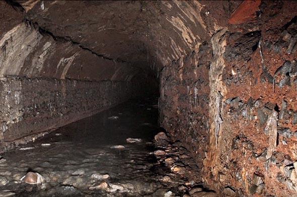большая клоака подземный канал