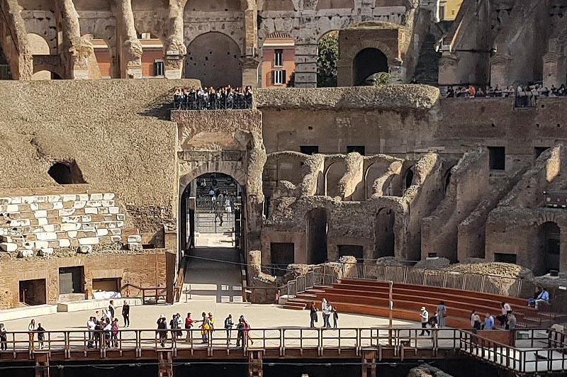 входные ворота на арену