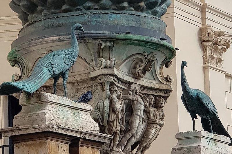фигуры павлинов из музея ватикана