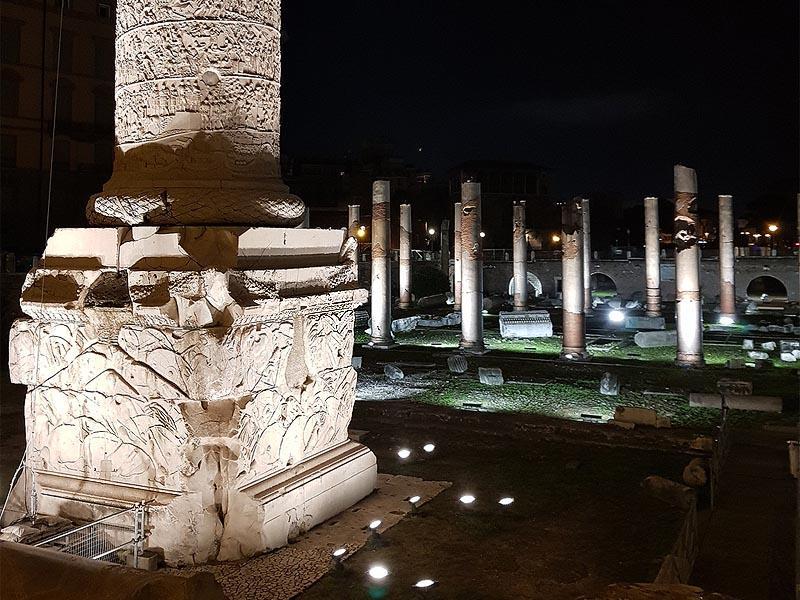 нижняя часть монумента траяна