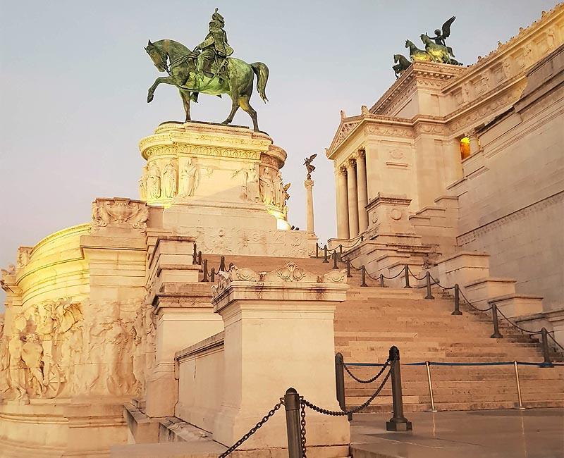 конная статуя короля виктора эммануила