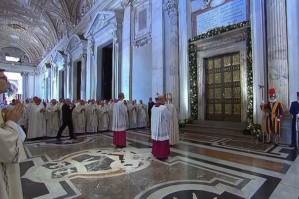 святая дверь закрывается после окончания празднования