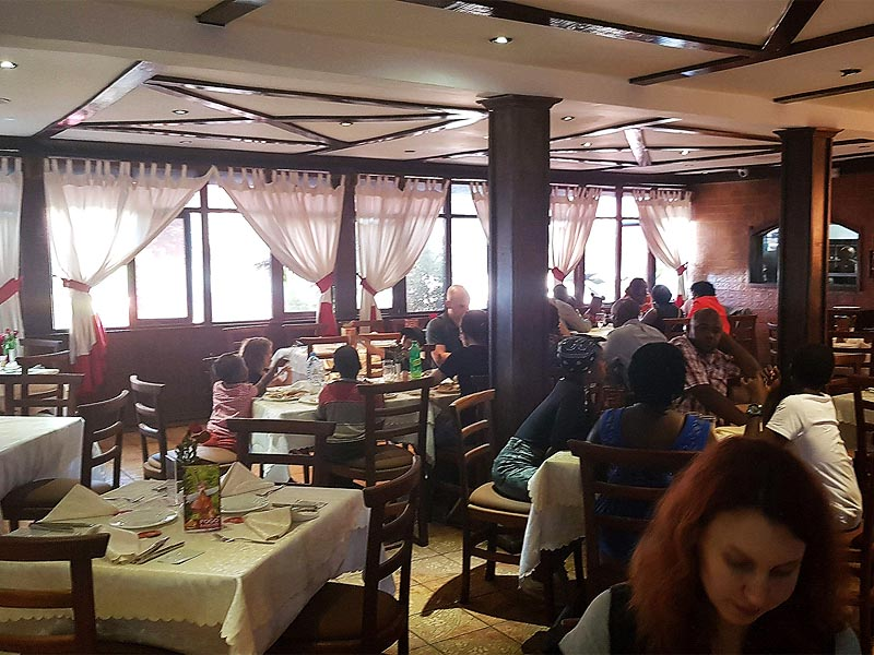 стейк-хаус с пышным названием фого гаучо чурраскария
