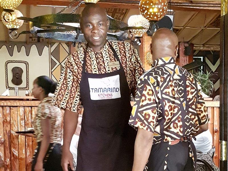 официанты в ресторане карнивор принадлежащему группе тамаринд