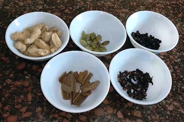 в кении на рынках продаются чайные специи