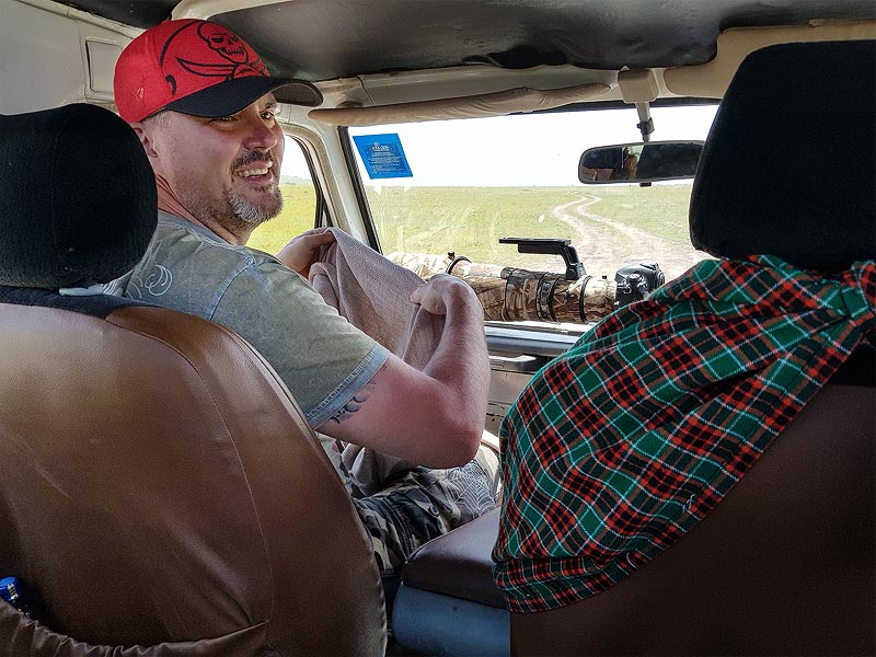 в масаи мара покидать транспортное средство можно только в специально отведенных местах