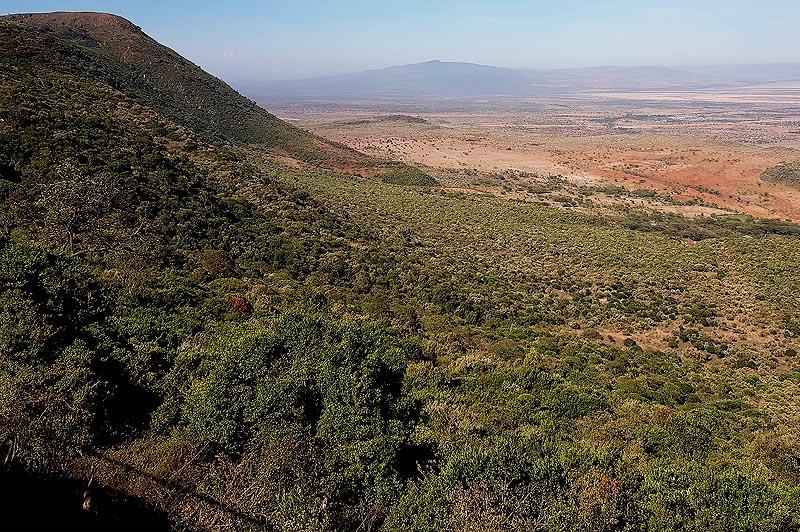 путь замер перед великим естественным препятствием щелью рифтовой долины
