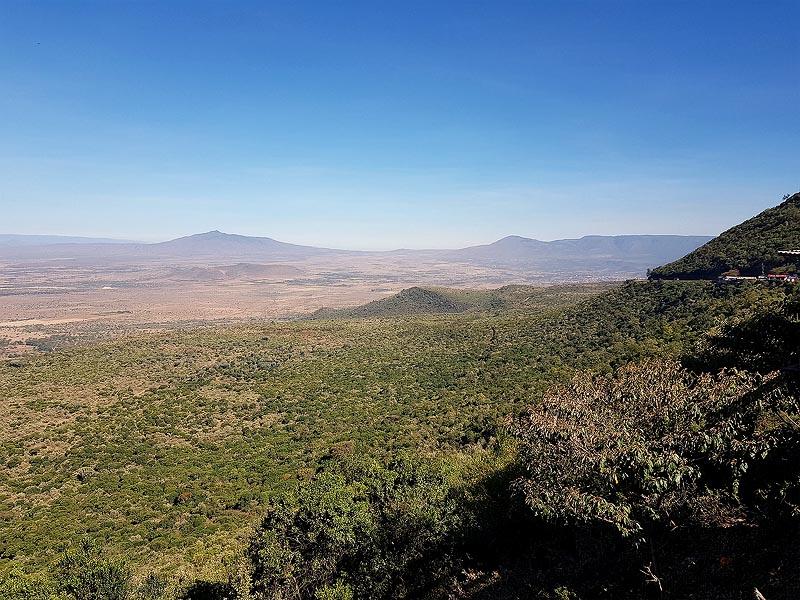 живописная панорама великой рифтовой долины