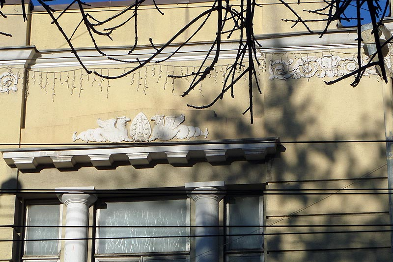 грифон на особняке богатейшего купца саратова шумилина